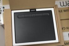 Tablet graficzny Wacom Intuos Pen Bluetooth S (A6) CTL-4100WLKN czarny (po zwrocie) + kurs obsługi PL